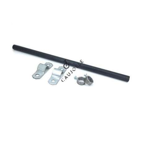 This repair kit for wheelbarrows is designed for a wheel with a 20 mm bore. It is delivered with a 20 mm solid steel axle, two 20 mm steel locating rings as well as two pressed steel socket clamps with a galvanised finish.